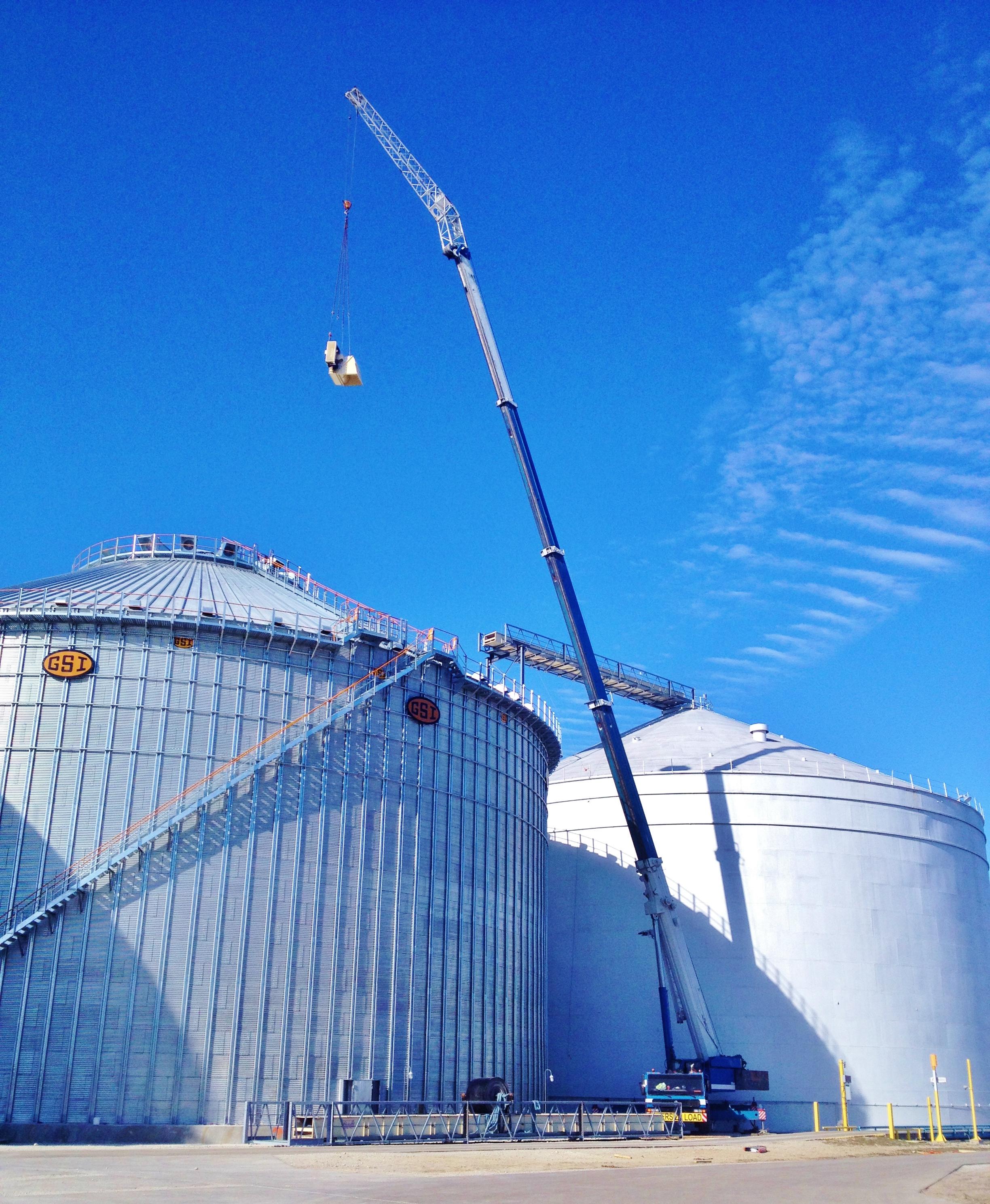 175 ton hydraulic crane at a grain bin
