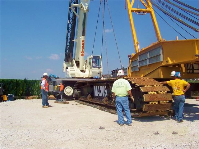 CSC's 90 ton helps assemble a 440 ton crawler at a wind farm.