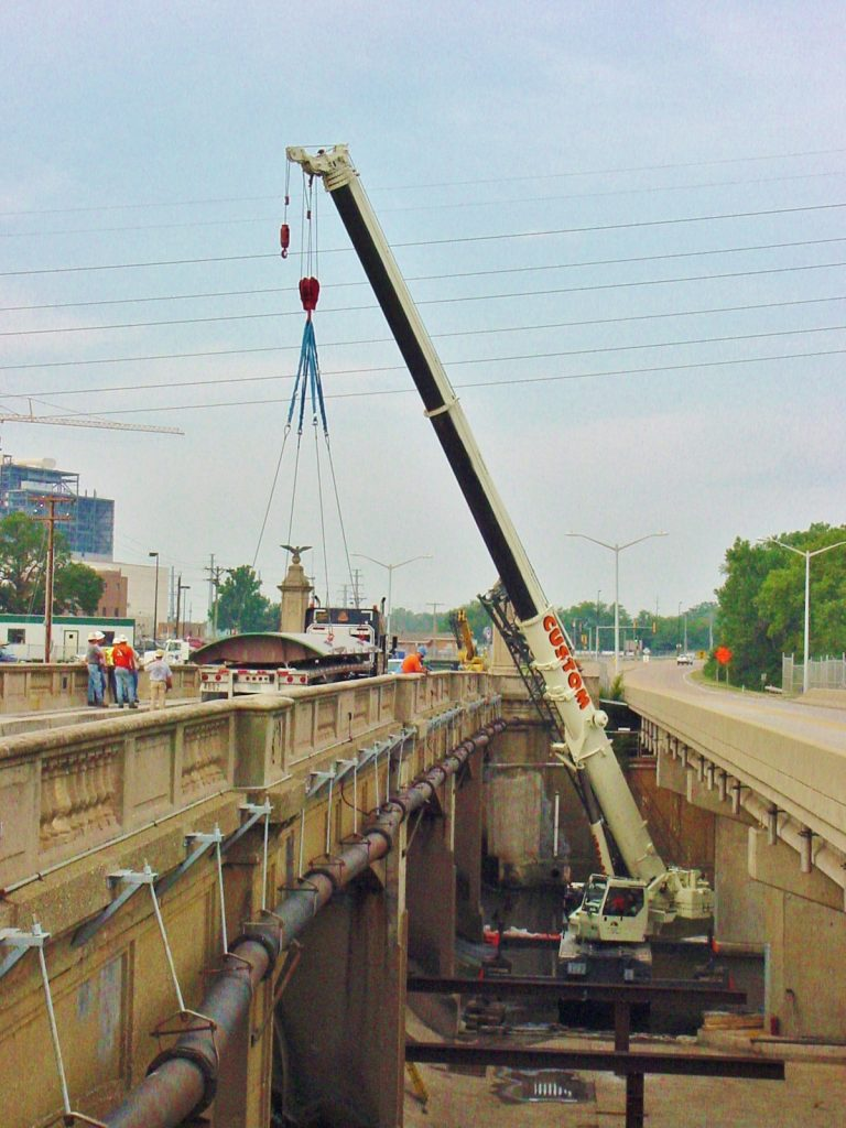 90 ton picking new gates for the spillway at a Springfield, IL dam.